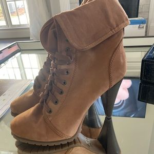 Timberland Style ankle booties